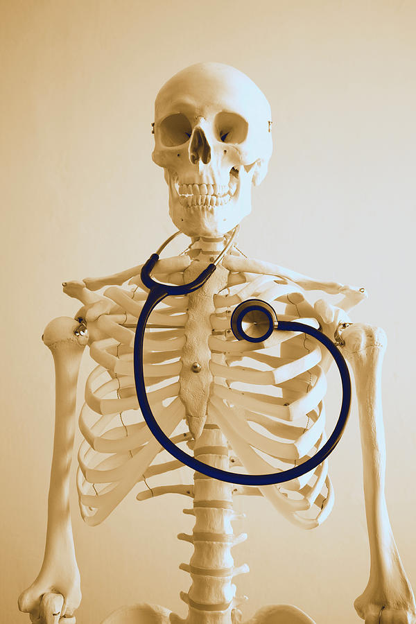 skeleton-with-stethoscope-pasieka